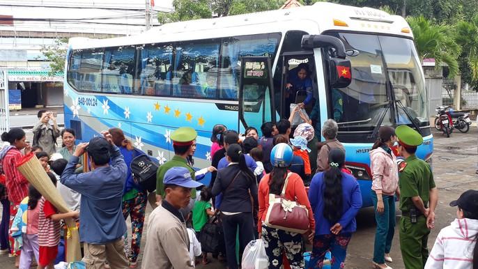 Người dân nô nức trở về nhà khi bão số 16 (Tembin) không vào miền Tây - Ảnh 13.