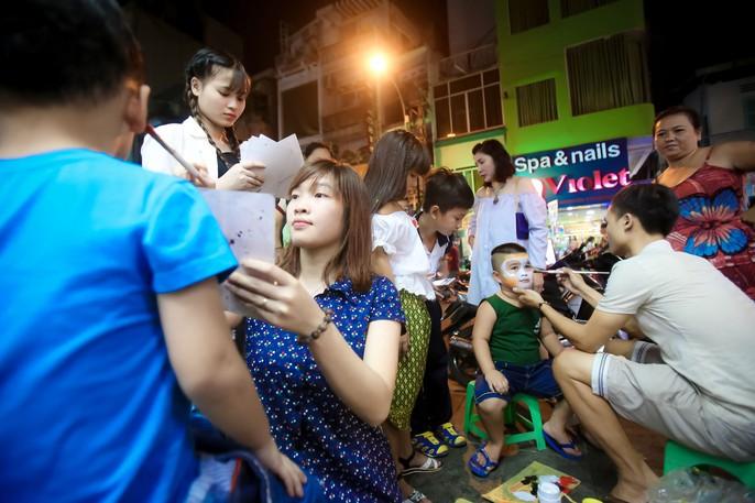Ai sướng nhất đêm Halloween ở Sài Gòn? - Ảnh 1.