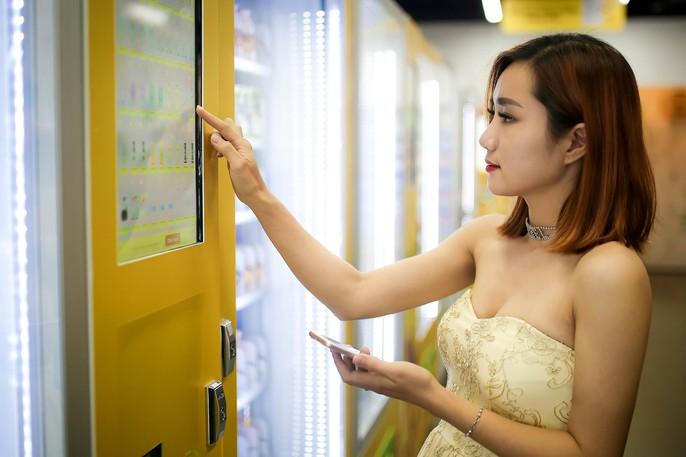 Lần đầu tiên TP HCM có cửa hàng tiện lợi không người bán - Ảnh 6.