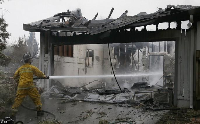 Cháy rừng ở California: Cứ như bị tấn công hạt nhân - Ảnh 9.