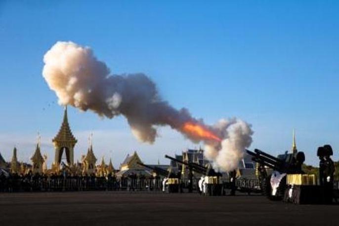 Thái Lan bắt đầu tang lễ Quốc vương Bhumibol Adulyadej - Ảnh 6.