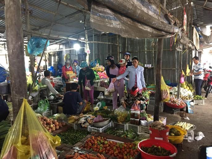 Người dân nô nức trở về nhà khi bão số 16 (Tembin) không vào miền Tây - Ảnh 5.
