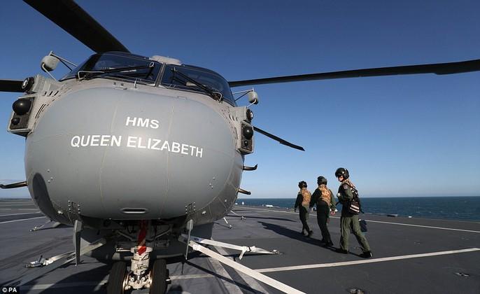 Cận cảnh chiến hạm lớn nhất của Hải quân Anh - Ảnh 10.