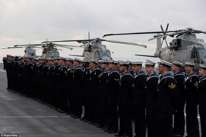Cận cảnh chiến hạm lớn nhất của Hải quân Anh - Ảnh 5.