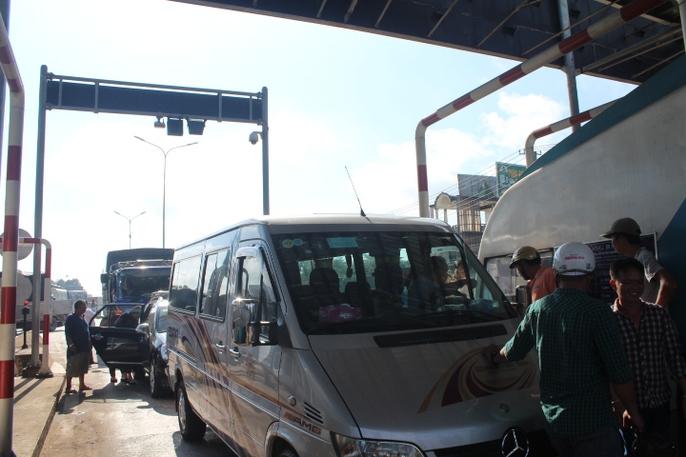 Trạm BOT Biên Hòa rối loạn, Quốc lộ 1 hướng Bắc - Nam tê liệt - Ảnh 2.