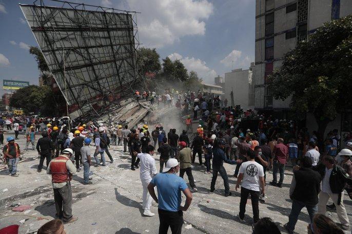 Động đất mạnh giáng xuống Mexico, hơn 210 người chết - Ảnh 5.