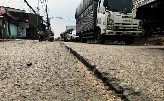 Thi công Quốc lộ 1 bầy hầy, nhiều nhà thầu bị xử phạt - Ảnh 6.