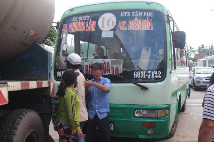 Trạm BOT Biên Hòa rối loạn, Quốc lộ 1 hướng Bắc - Nam tê liệt - Ảnh 9.