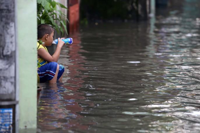 TP HCM mênh mông nước sau cơn mưa lớn - Ảnh 6.