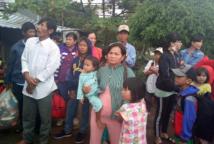 Người dân nô nức trở về nhà khi bão số 16 (Tembin) không vào miền Tây - Ảnh 17.