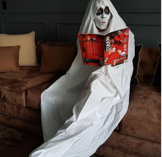 Ghê rợn cảnh ngôi sao thể thao đón Halloween - Ảnh 1.