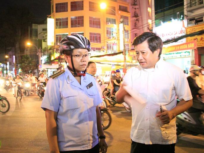 Ông Đoàn Ngọc Hải xử 1 tổ trưởng trật tự đô thị phường - Ảnh 6.