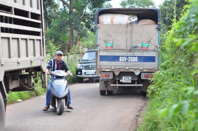 Người dân chặn xe trốn trạm BOT tuyến tránh Biên Hòa - Ảnh 9.