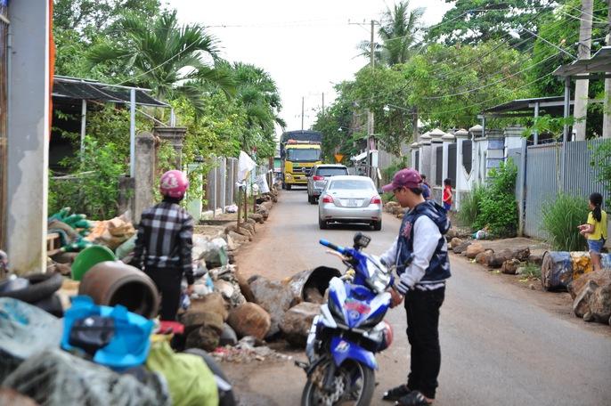 Người dân chặn xe trốn trạm BOT tuyến tránh Biên Hòa - Ảnh 7.