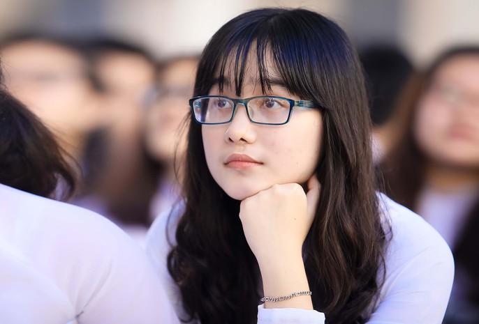 Bí thư Thành ủy đánh trống khai giảng tại trường Lê Hồng Phong - Ảnh 5.