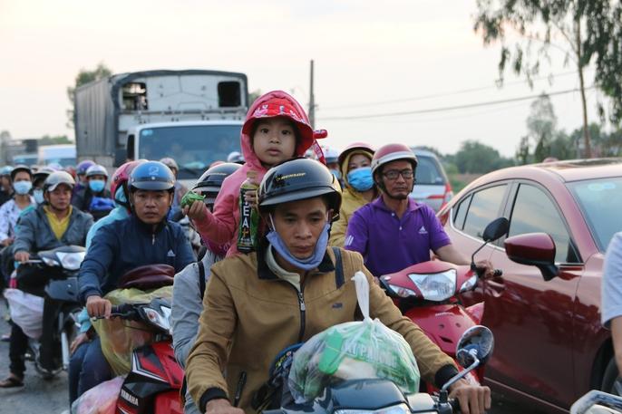 Hành trình ám ảnh từ miền Tây trở về Sài Gòn - Ảnh 1.