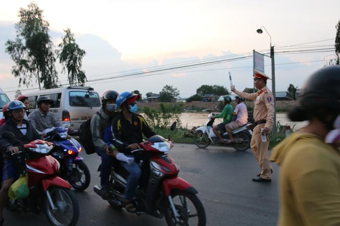 Hành trình ám ảnh từ miền Tây trở về Sài Gòn - Ảnh 4.