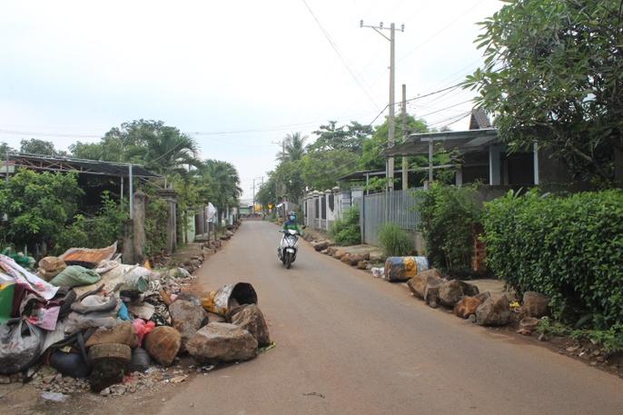 Người dân chặn xe trốn trạm BOT tuyến tránh Biên Hòa - Ảnh 2.