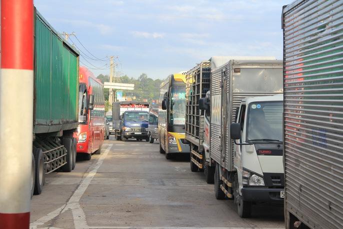 Toàn cảnh thất thủ ở BOT tuyến tránh Biên Hòa sáng 12-9 - Ảnh 8.