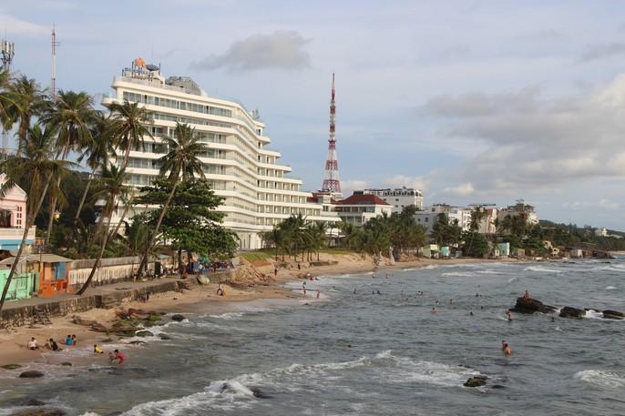 """VIDEO: Đang đo đạc để """"cắt ngọn"""" khách sạn 5 sao ở Phú Quốc - Ảnh 4."""