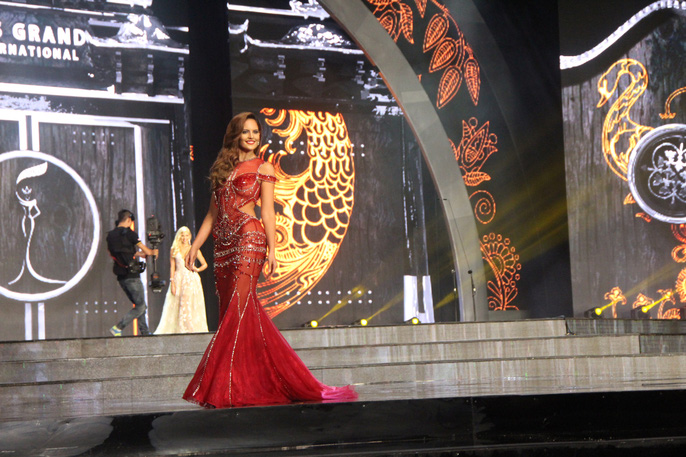 Huyền My nóng bỏng tại đêm sơ kết Hoa hậu Hòa bình Thế giới - Ảnh 12.