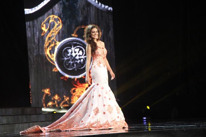 Huyền My nóng bỏng tại đêm sơ kết Hoa hậu Hòa bình Thế giới - Ảnh 14.