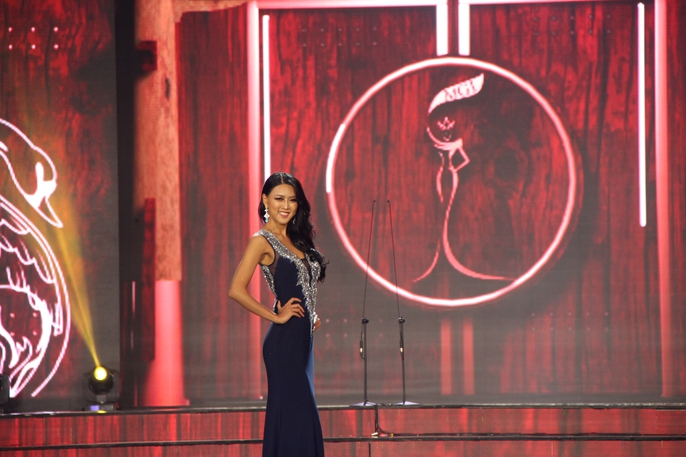 Huyền My nóng bỏng tại đêm sơ kết Hoa hậu Hòa bình Thế giới - Ảnh 17.