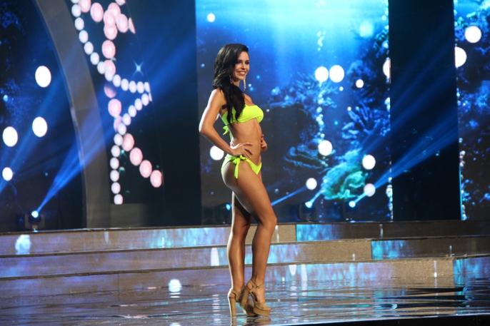 Huyền My nóng bỏng tại đêm sơ kết Hoa hậu Hòa bình Thế giới - Ảnh 8.