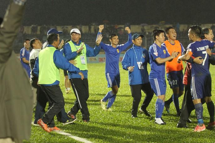 Quảng Nam mở hội trong ngày lên ngôi vương V-League - Ảnh 1.