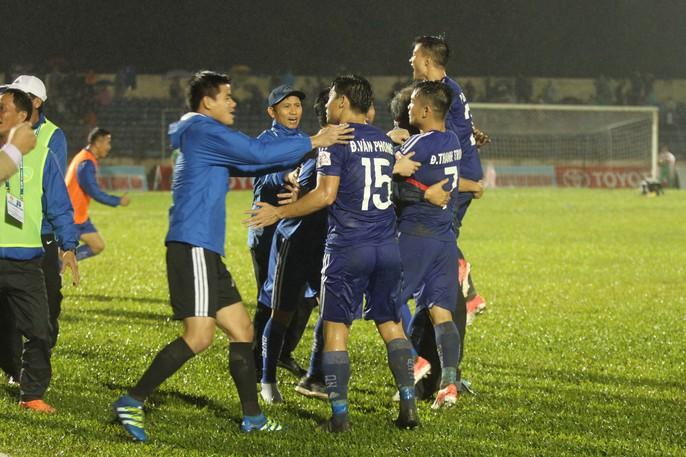 Quảng Nam mở hội trong ngày lên ngôi vương V-League - Ảnh 2.