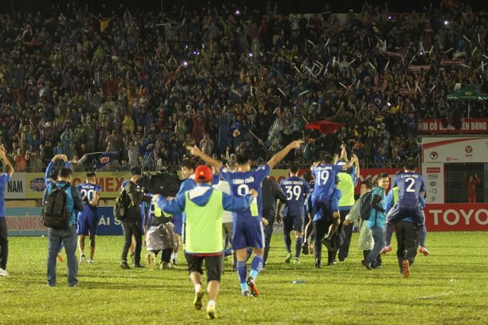 Quảng Nam mở hội trong ngày lên ngôi vương V-League - Ảnh 3.