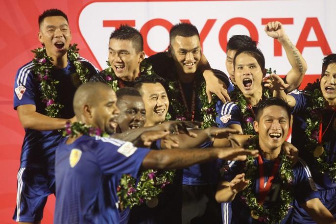 Quảng Nam mở hội trong ngày lên ngôi vương V-League - Ảnh 4.