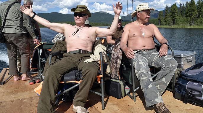 Tổng thống Putin cởi trần nghỉ mát tại Siberia - Ảnh 1.