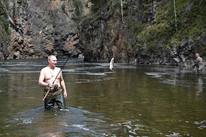 Tổng thống Putin cởi trần nghỉ mát tại Siberia - Ảnh 5.
