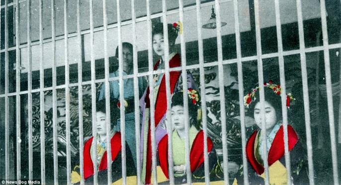 Ám ảnh những góc khuất của các kỹ nữ Nhật Bản xưa - Ảnh 14.