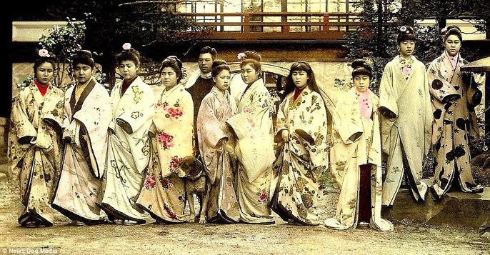 Ám ảnh những góc khuất của các kỹ nữ Nhật Bản xưa - Ảnh 1.