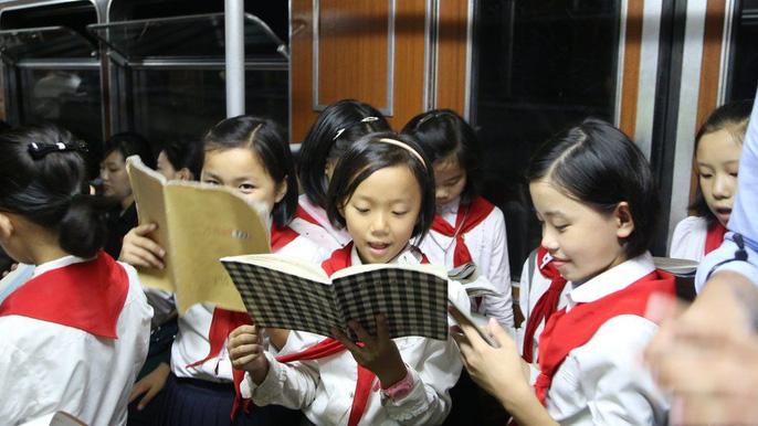 Những ngày này dân Triều Tiên sống ra sao? - Ảnh 1.