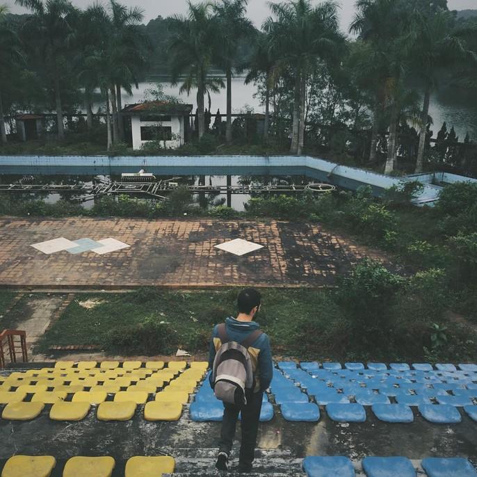Khách nước ngoài đổ đến công viên nước bỏ hoang ở Huế - Ảnh 5.