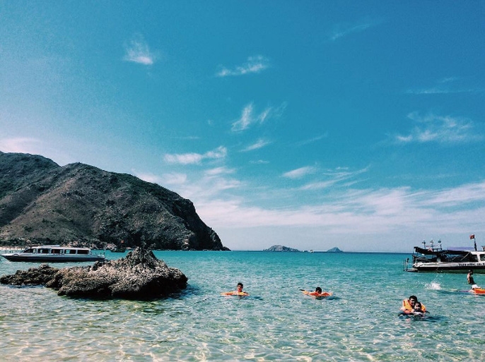 Hoang đảo đẹp khó tin ở Quy Nhơn, ngỡ như trời Tây - Ảnh 1.