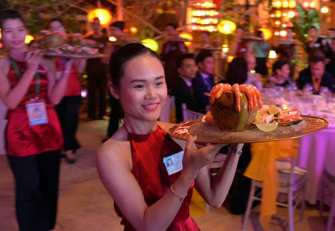 APEC 2017: Bữa tối độc đáo được chuẩn bị trong 3 năm - Ảnh 4.