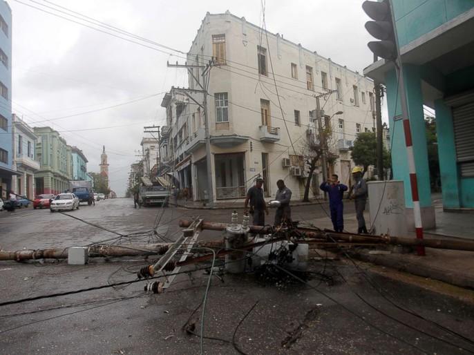 Bão Irma đã đến Mỹ, sóng cao 6 m vẫn ập vào Cuba - Ảnh 6.