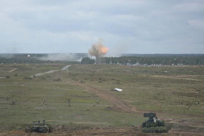 Cận cảnh cuộc tập trận khủng của Nga - Belarus - Ảnh 9.