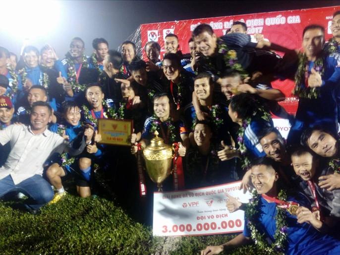Quảng Nam mở hội trong ngày lên ngôi vương V-League - Ảnh 8.