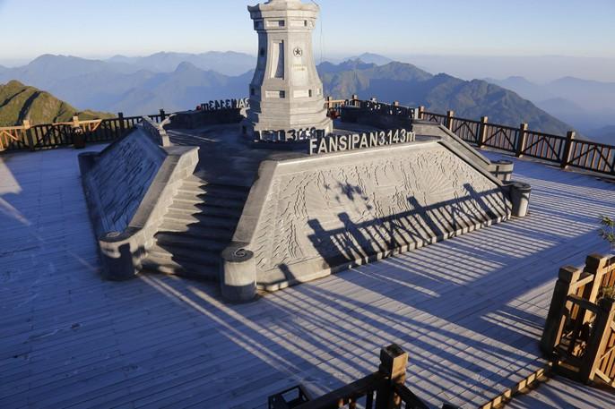 Đốn tim vẻ đẹp lung linh của băng giá trên đỉnh Fansipan - Ảnh 12.