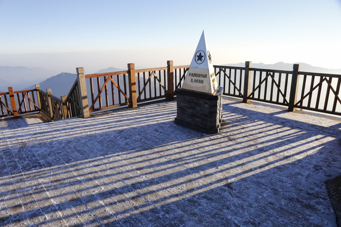 Đốn tim vẻ đẹp lung linh của băng giá trên đỉnh Fansipan - Ảnh 22.