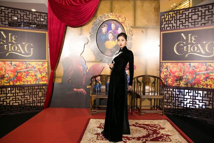 Dàn sao Việt xúng xính áo dài lên thảm đỏ - Ảnh 9.