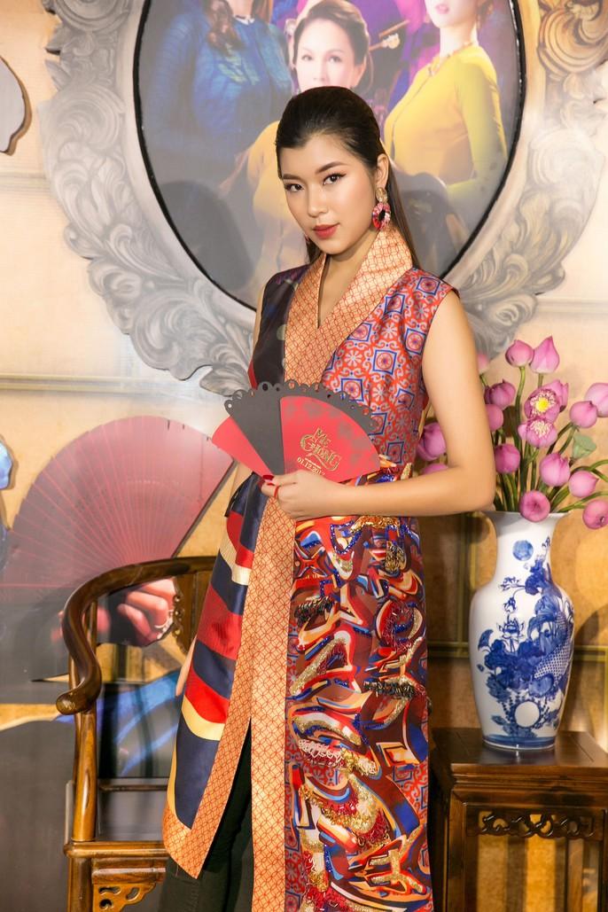 Dàn sao Việt xúng xính áo dài lên thảm đỏ - Ảnh 18.