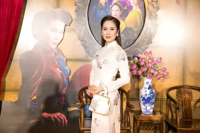 Dàn sao Việt xúng xính áo dài lên thảm đỏ - Ảnh 3.