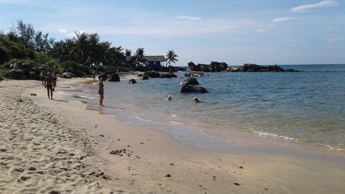 Chiêm ngưỡng bãi tắm tuyệt đẹp dành cho khách Tây ở Phú Quốc - Ảnh 1.