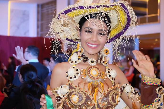 Nguyễn Phương Khánh thắng giải vàng trang phục dân tộc cuộc thi Hoa hậu Trái đất - Ảnh 13.
